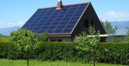 Fire gode grunde til at få nyt tag med solceller i 2014